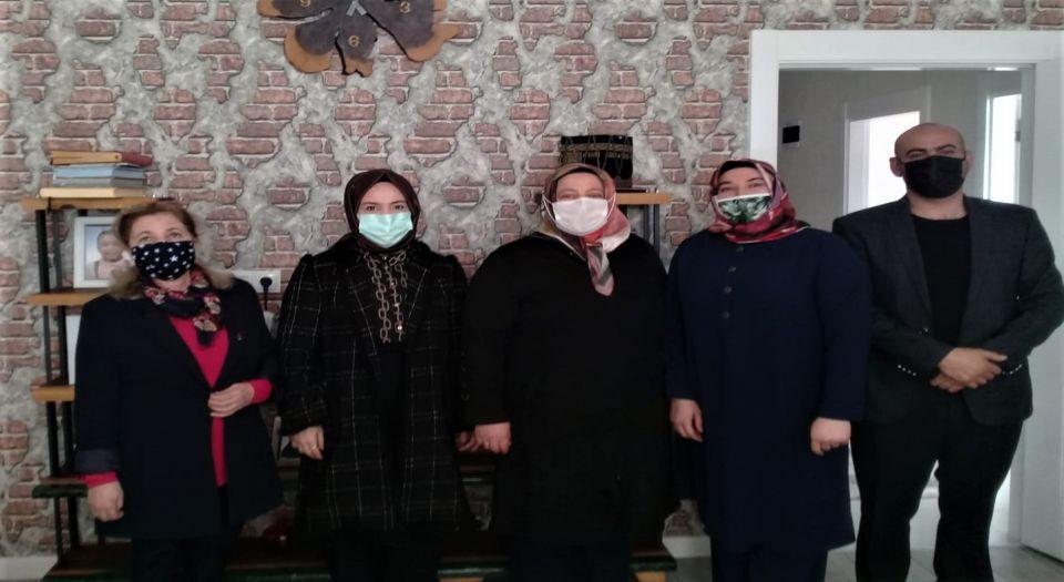 Aksaray'da koruyucu ailelere Vali eşinden ziyaret