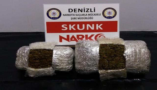 1 1 12 - İstanbul'dan Denizli'ye Skunk Maddesi Getiren Uyuşturucu Tacirleri Çako'dan Kaçamadı