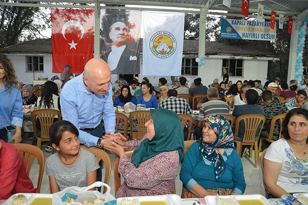 1 1 8 - Sarayköy Belediyesi iftar sofraları vatandaştan tam not aldı
