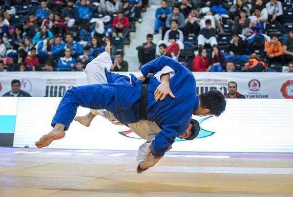 1 2876 - Türkiye Gençler Judo Şampiyonası'da Madalyalar Sahiplerini Buldu