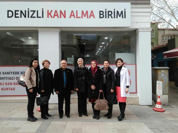 1 3048 - AK Parti Kadın Kolları Kızılay'a Kan Bağışladı
