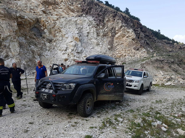 1 3279 - Mantar toplarken kayalıklardan düştü