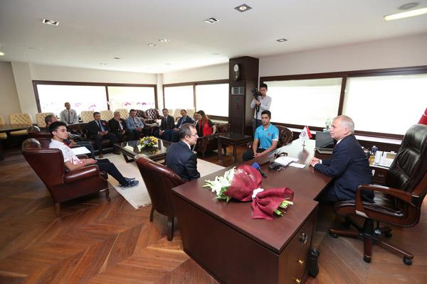 1 3485 - Başkan Osman Zolan'a Gençlik Haftası ziyareti