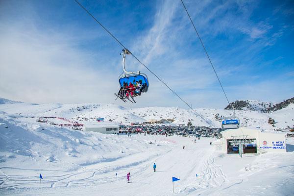 1 3889 - Denizli Kayak Merkezi'ne yoğun ilgi