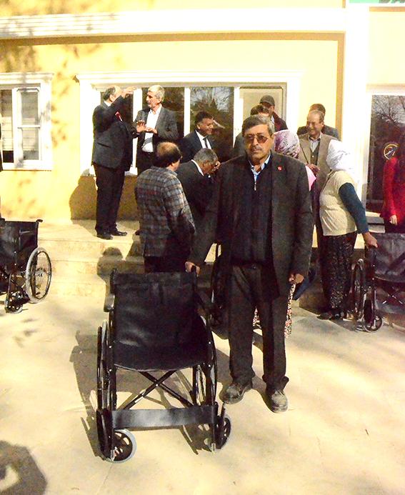 1 407 - Kent Konseyi'nden 10 tekerlekli sandalye