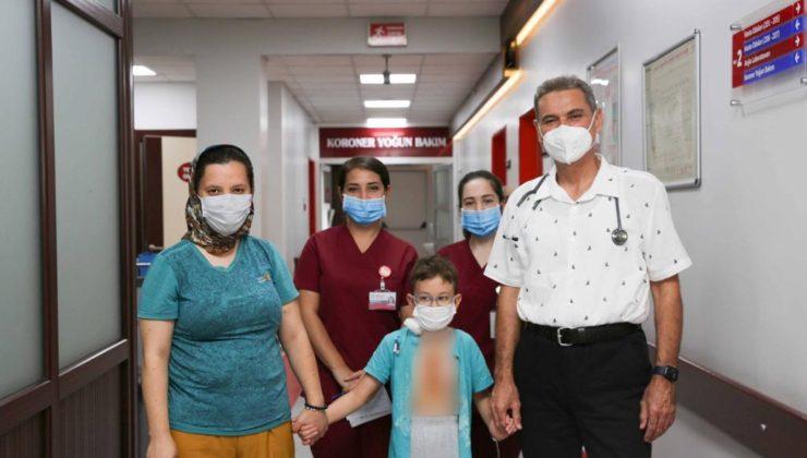 Minik Kalpteki Delik Cerrahi 'de Tedavi Edildi