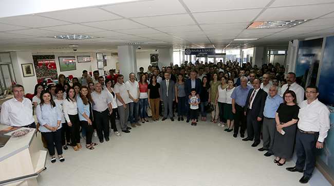 2 1009 - Başkan Osman Zolan, belediye personeliyle bayramlaştı