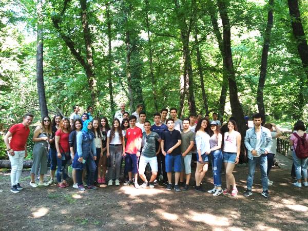 2 2216 - Başkan Özbaş'tan gençlere jest