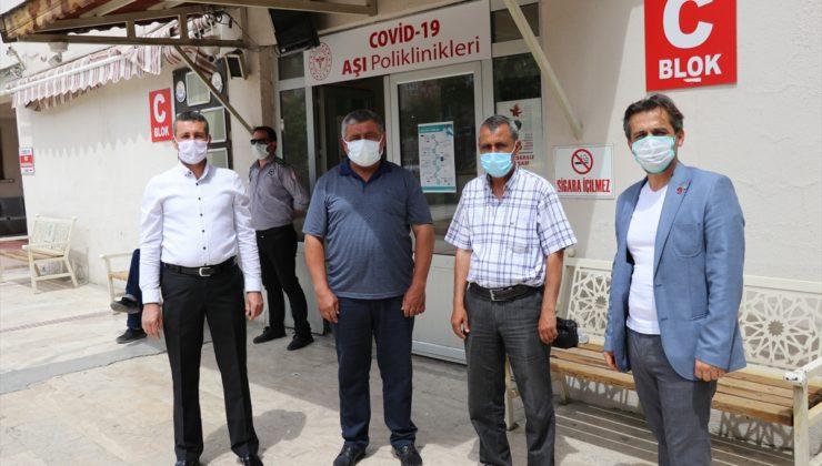 Denizli'de muhtarlara Kovid-19 aşısı yapılmaya başlandı