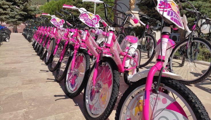 20210719 2 49269175 67161372 Web 740x420 - Kale'de 100 öğrenciye bisiklet hediye edildi