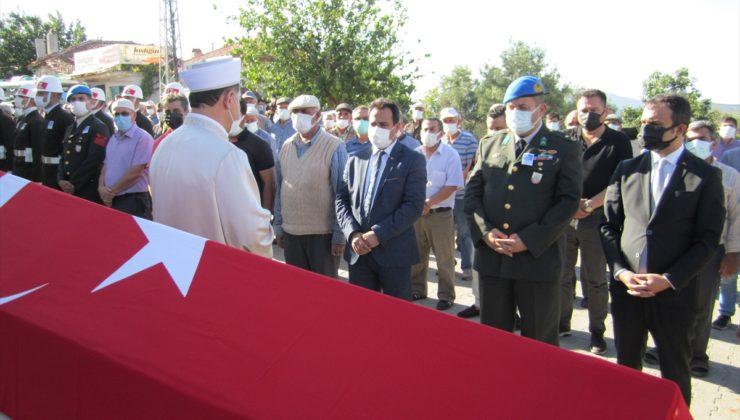 Kıbrıs gazisi Remzi Yeniay, son yolculuğuna uğurlandı