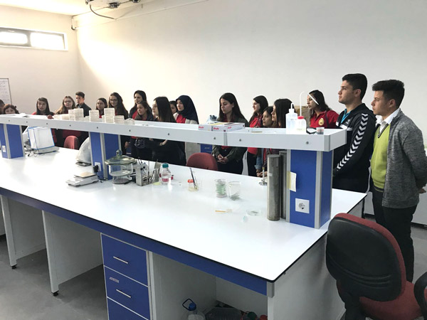 3 1298 - Çivril'deki Lise Öğrencilerine Pamukkale Üniversitesi Tanıtıldı