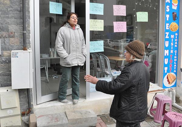 3 182 - 'Kedi evi' yüzünden 4 kadın tartıştı