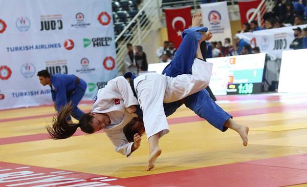 3 983 - Türkiye Gençler Judo Şampiyonası'da Madalyalar Sahiplerini Buldu