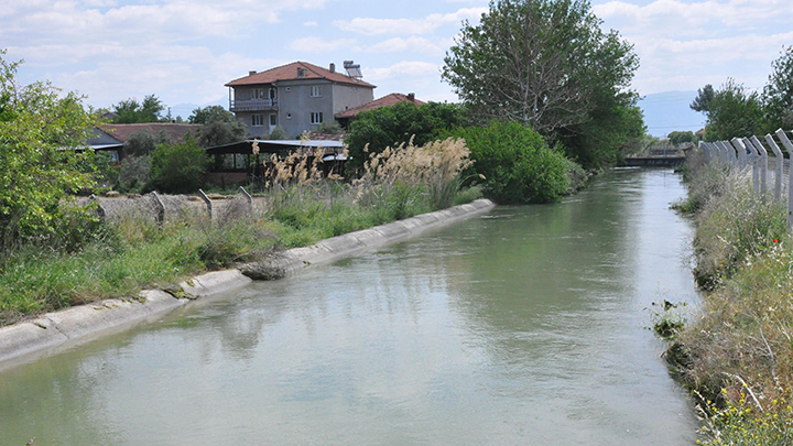 4 612 - Akköy Sular Altında Kaldı