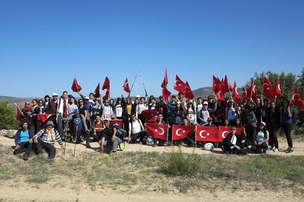"""4 616 - DOSEV ve TEV Öğrencileri'nden """"Ulusal Egemenlik"""" yürüyüşü"""