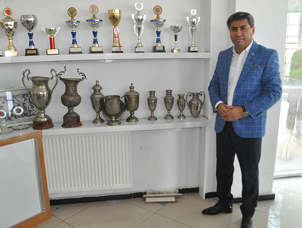 4 716 - Denizlispor'un kayıp kupaları evine döndü
