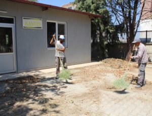 Sarayköy Belediyesi, ilçedeki tüm okullarda çevre düzenlemesi başlattı