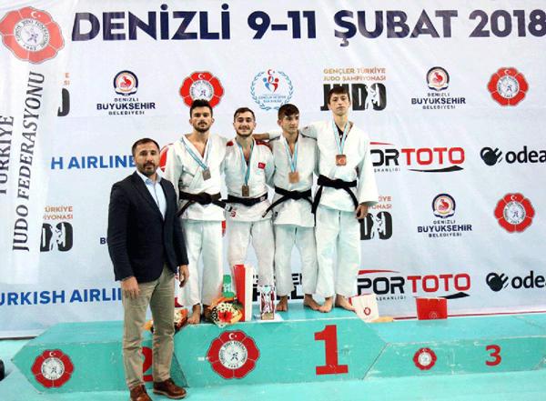 6 176 - Türkiye Gençler Judo Şampiyonası'da Madalyalar Sahiplerini Buldu