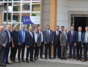 Buldan Belediye Başkanı Mustafa Şevik, Trabzon'daki toplantıya katıldı