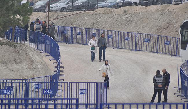 7 33 - Denizli'deki FETÖ/PDY'den yargılanan işadamları davası başladı