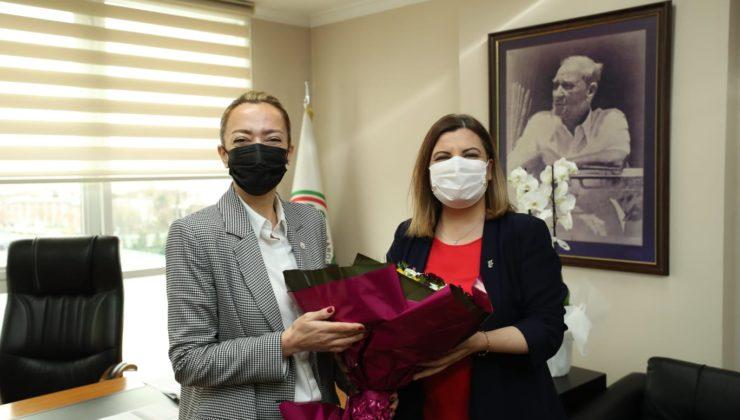 Kocaeli'de  Başkan Hürriyet, meslektaşlarının gününü kutladı