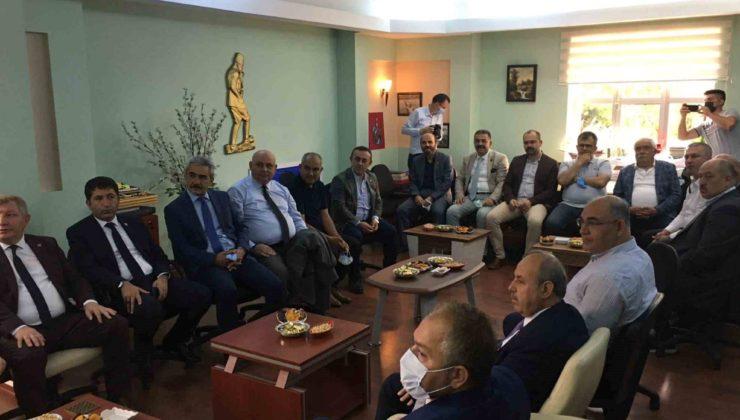 9 76 740x420 - Buldan Belediye Başkanı Mustafa Şevik, Trabzon'daki toplantıya katıldı