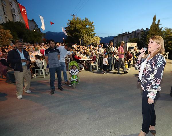 AE6I5972 - İLK SOFRA MEHMET AKİF ERSOY MAHALLESİ'NDE KURULDU
