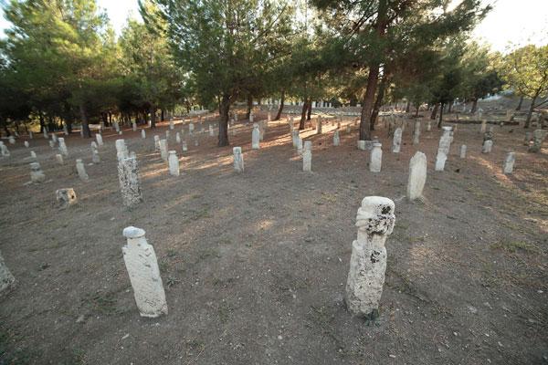 IMG 0826 - Mezar Taşları Türk İslam Kültüründen İzler Taşıyor