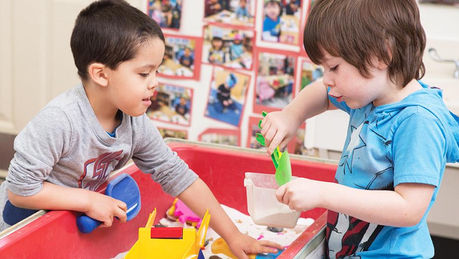Preschool 06 930x525 - İKİ VE ÜÇ YAŞ ÇOCUKLARIN ALABİLECEKLERİ SORUMLULUKLAR