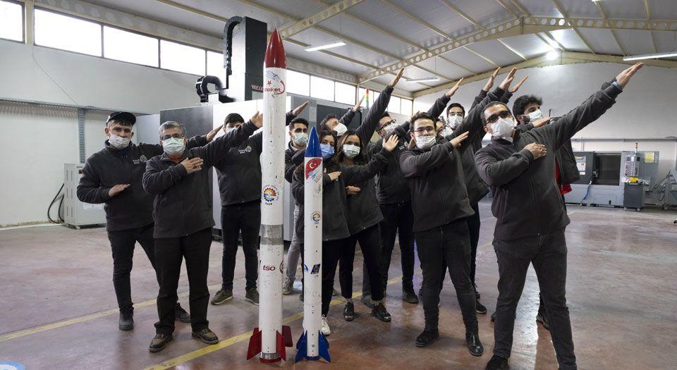 Garajdan roket çıkartan gençlerin hedefinde uzay var
