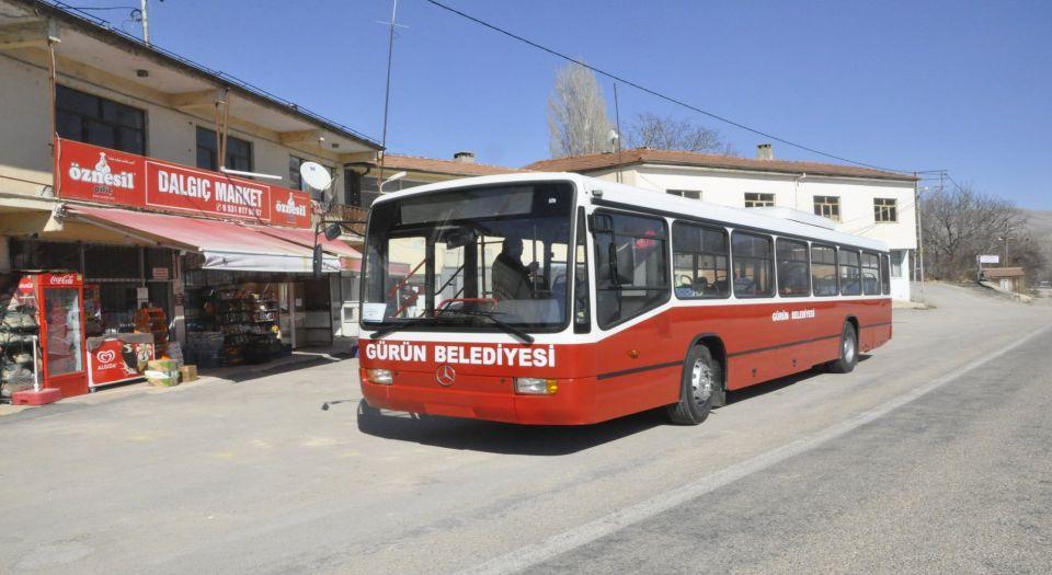 İstanbul Büyükşehir'den Sivas Gürün'e otobüs bağışı