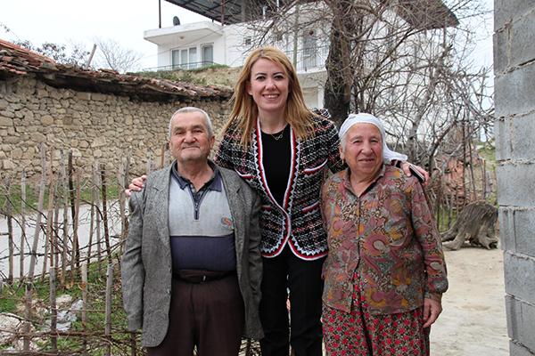 WhatsApp Image 2019 02 25 at 16.57.06 1 1 - Şeniz Doğan Eskihisar'da Söz Verdi