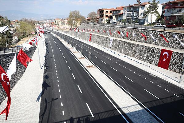 Yeni Cadde 4 - YENİ CADDE İLE TRAFİK AZALDI
