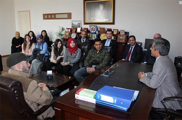 a 29 - Başsavcı Alper AIESEC öğrencilerine yargı sistemini anlattı