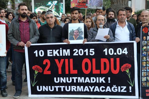 ankara katliaminda olenler denizlide anildi 5706 2 - Ankara katliamında ölenler, Denizli'de anıldı