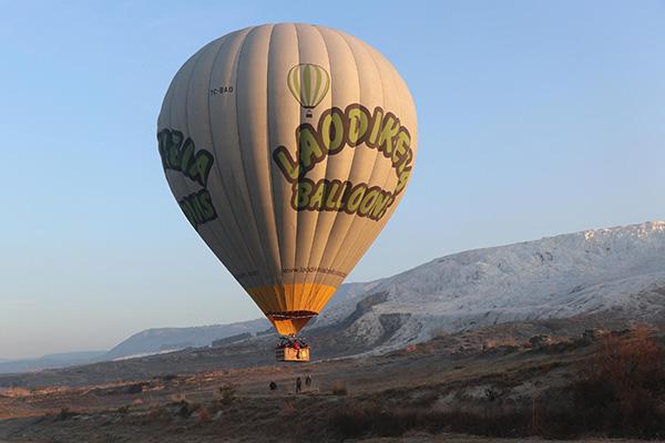 beyaz cennet pamukkalede balon ucusuna ilgi 2637 dhaphoto6 - 'Beyaz Cennet' Pamukkale'de balon uçuşuna ilgi