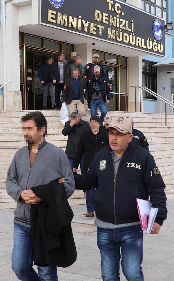 denizlide fetonun gaybubet evlerine operasyon 9 gozalti 8699 dhaphoto5 - Denizli'de FETÖ'nün gaybubet evlerine operasyon: 9 gözaltı