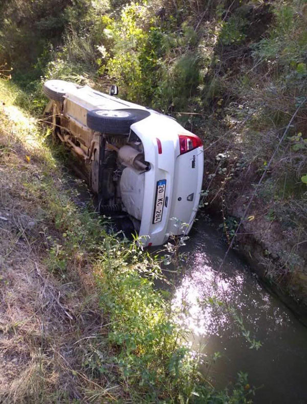denizlide okul muduru kazada yaralandi 6975 dhaphoto2 - Denizli'de okul müdürü kazada yaralandı