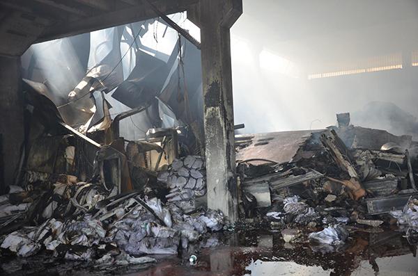 denizlide yangin cikan fabrikada 4 milyon liralik hasar 7994 dhaphoto1 - Denizli'de, yangın çıkan fabrikada hasar büyük