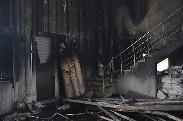 denizlide yangin cikan fabrikada 4 milyon liralik hasar 7994 dhaphoto2 - Denizli'de, yangın çıkan fabrikada hasar büyük