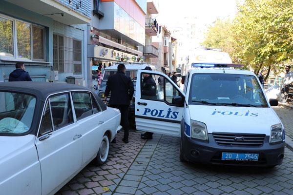 ev arkadasi 2 kisiyi oldurup polise teslim oldu 2506 dhaphoto5 - Ev Arkadaşı 2 Kişiyi Öldürüp, Polise Teslim Oldu