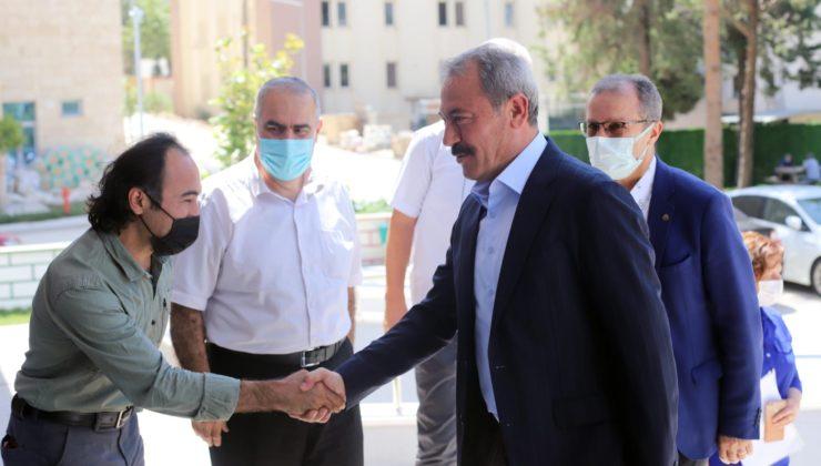 genclik spor ziyaret4 740x420 - AK Partili Şahin Tin, Gençlik ve Spor İl Müdürü İbanoğlu'nu ziyaret etti.