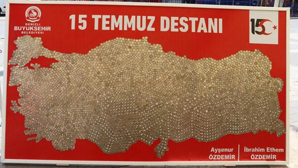 harcliklariyla 15 temmuz anisina turkiye haritasi yaptilar 7114 dhaphoto3 - Harçlıklarıyla 15 Temmuz anısına Türkiye haritası yaptılar