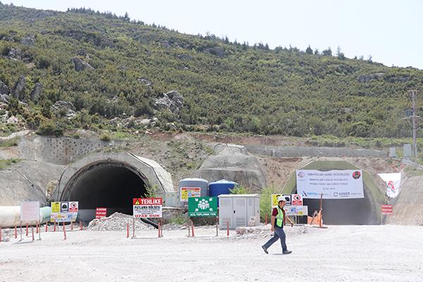 honaz tunelinde isik gorundu 7401 dhaphoto2 - Honaz Tüneli'nde ışık göründü