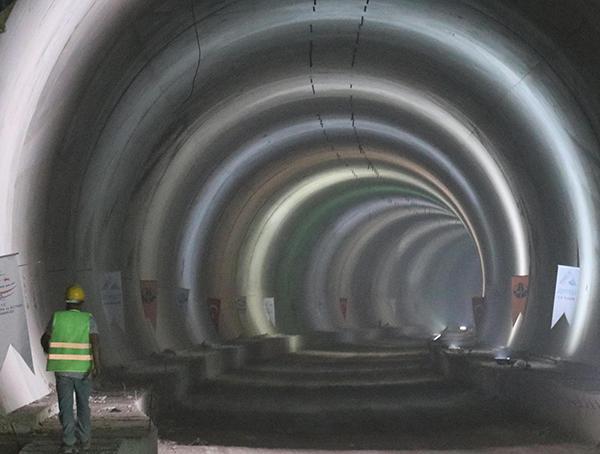 honaz tunelinde isik gorundu 7401 dhaphoto3 - Honaz Tüneli'nde ışık göründü