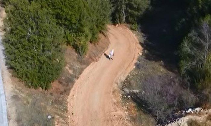 ilk kez drone goren kadin cihazdan korkup kacti 7945 dhaphoto2 - İlk kez drone gören kadın, cihazdan korkup kaçtı