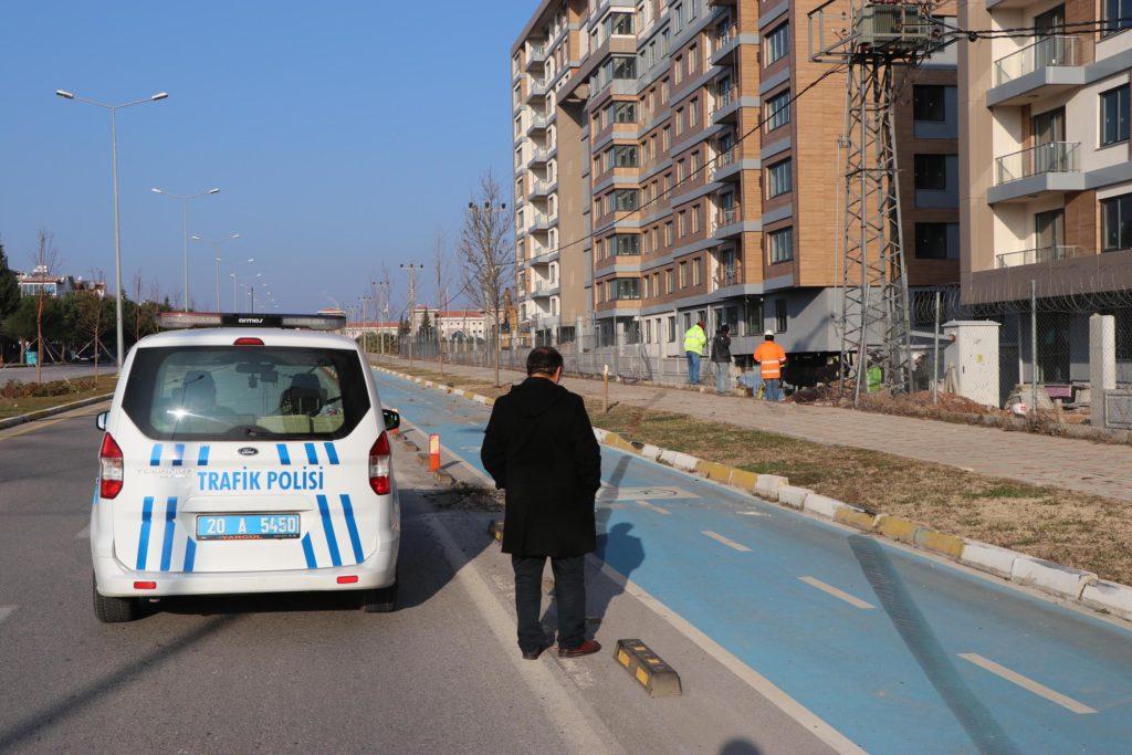 insaatin bahcesine devrilenotomobilin surucusu oldu 5041 dhaphoto2 1024x683 - İnşaatın bahçesine devrilen otomobilin sürücüsü öldü
