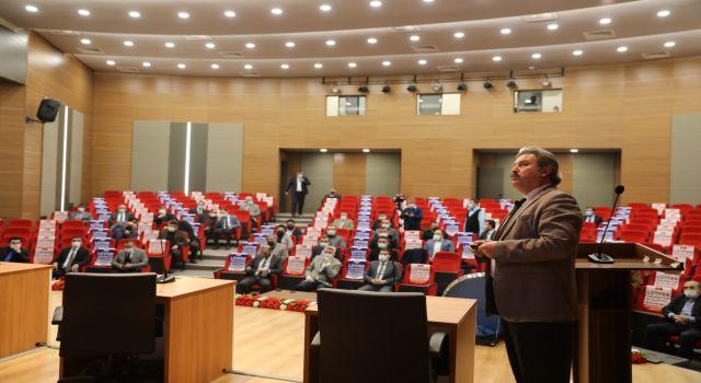Kayseri Melikgazi'de Belediye Başkanı'ndan MHP'lilere hizmete sunumu