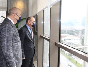 Vali Karadeniz'den Başkan Ergün'e Hayırlı Olsun Ziyareti